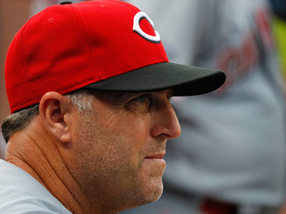Fay: Reds should bring back Price next year