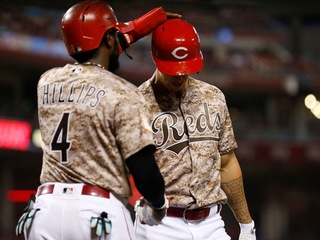 Lorenzen homers in return after father's death