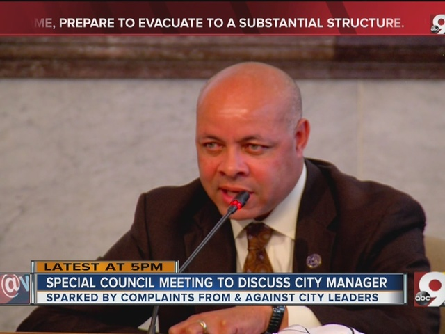 Special council meeting to discuss city manager