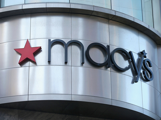 Macy's shares tumble on weak first quarter