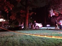 Driver dies after hitting tree in Fort Thomas