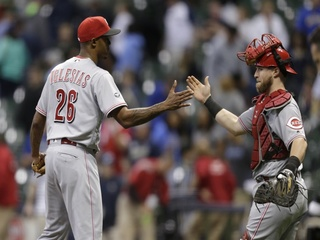 Finnegan pitches 5 scoreless innings in Reds win