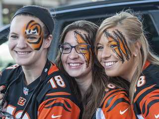Bengals tailgaters celebrate 2016 home opener