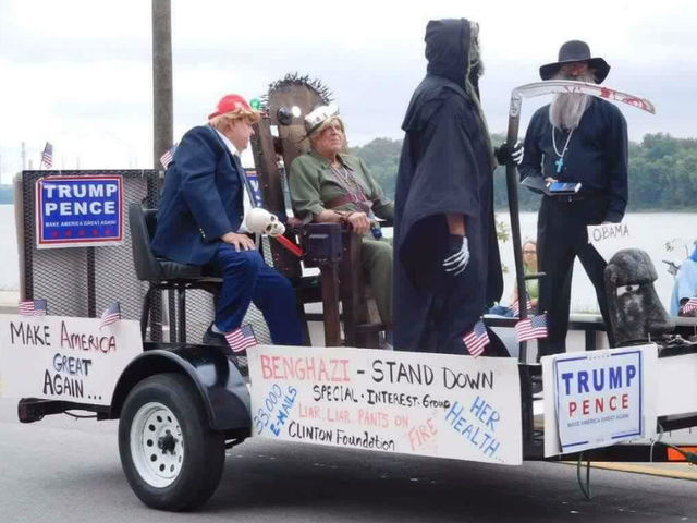 Indiana parade float depicts Clinton in electric chair