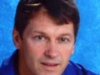 Ex-Moeller coach to be inducted in hall of fame