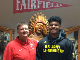 Fairfield OT playing in 2018 All-American Bowl