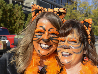 PHOTOS Bengals fans rally before Battle of Ohio