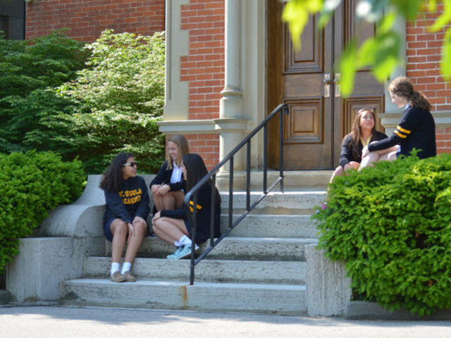 cincinnati single catholic girls Located cincinnati, oh, archbishop moeller is a private boys catholic high school we focus on faith formation, academic achievement, individual growth, and service to others.