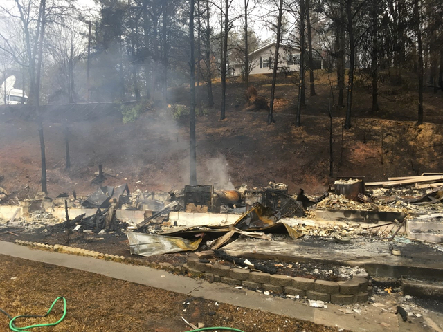 2 juveniles charged in Tennessee wildfires
