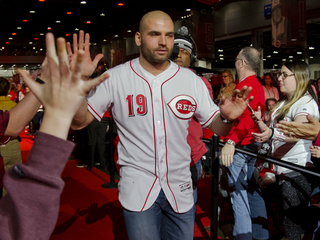Fay: Joey Votto wants to remain a Red