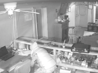 Sheriff: 'Clumsy bandit' steals thousands