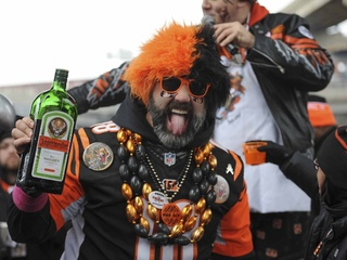 Bengals fans bring on the tailgating