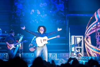 PHOTOS: Garth Brooks, Trisha Yearwood rock Cincy