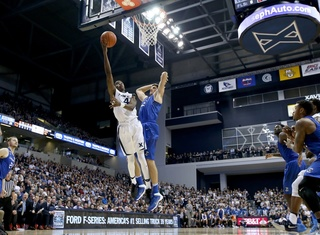 Odd two weeks afflicts Xavier hoops