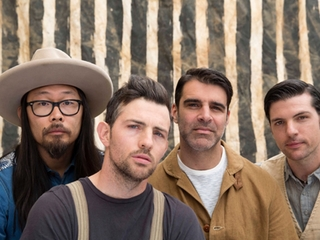 Avett Brothers to play Reds' free concert series