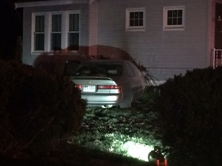 Chase ends when car crashes into Glendale home