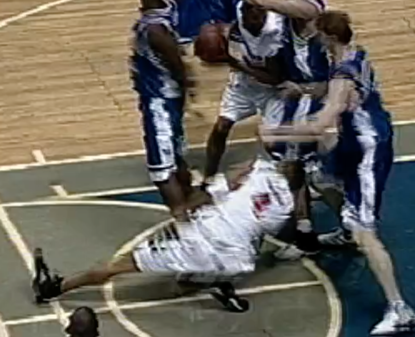 5bd4347216e2 An image from television of the University of Cincinnati s Kenyon Martin as  he broke his leg in March 2000.