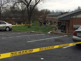 Midday shooting leaves men in critical condition