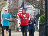 Dozens run in Bellevue to support veterans