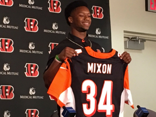 Fay: Bengals must get past Mixon pick