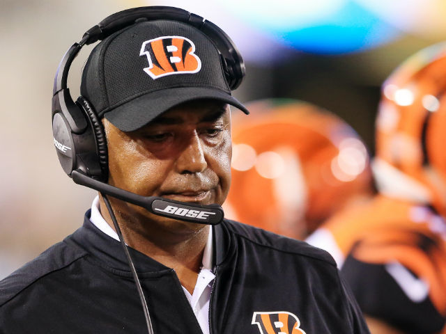 Marvin Lewis dealing with blood clot in ankle