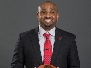 Can MU's new hoops coach turn things around?