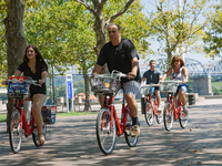 So far, Red Bike service proves a smooth ride