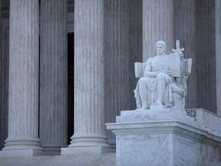 Court won't hear appeal over federal mug shots