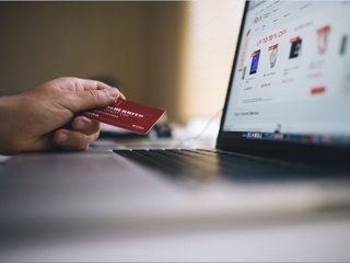 How to skip online junk and find clothing deals