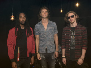 Cobi performs bluesy tunes at WCPO Lounge Acts