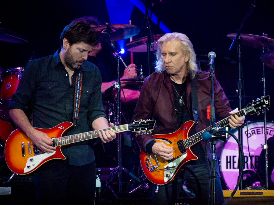 tom petty and the heartbreakers bring 40th anniversary. Black Bedroom Furniture Sets. Home Design Ideas