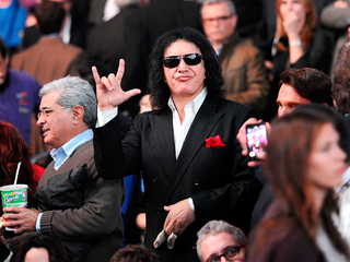 Gene Simmons wants to trademark 'rock on' symbol