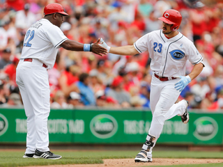 Reds fall short of comeback, lose to Dodgers 8-7