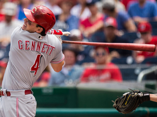 Gennett's homer, 4 hits lead Reds to 6-2 win