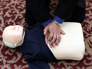 This high-tech tool can teach you CPR