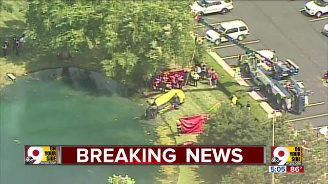 body car pulled from pond on union centre boulevard in west chester township wcpo cincinnati oh. Black Bedroom Furniture Sets. Home Design Ideas