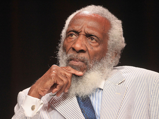 Civil rights activist Dick Gregory dies at 84