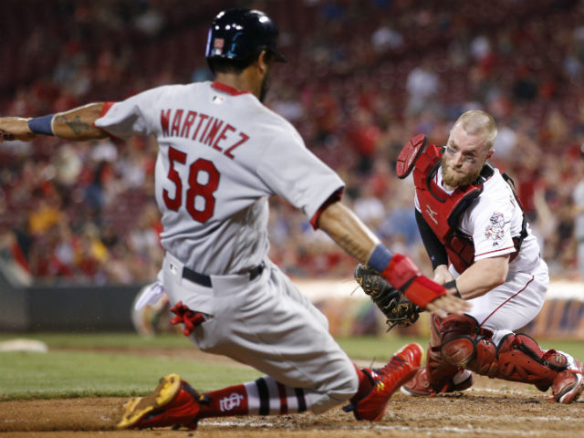 Reds give Tucker Barnhart extension