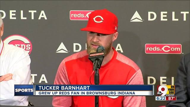 Reds Catcher Tucker Barnhart Gets 4-year Extension