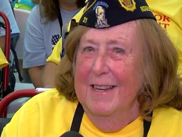 Honor Flight for WWII veterans travel to memorial