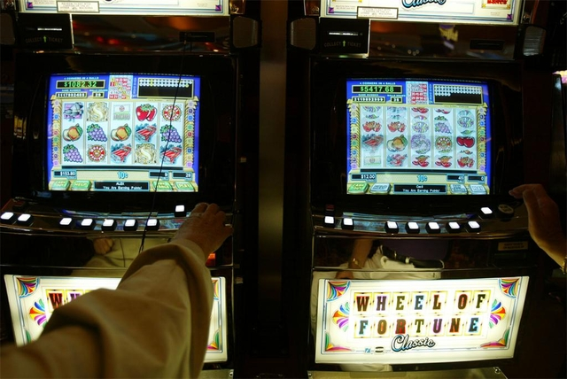 Slot machines at racetracks in ohio gambling man kenny