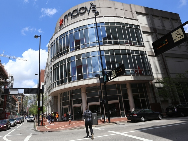 Clock ticks, no talks on Macy's Downtown lease