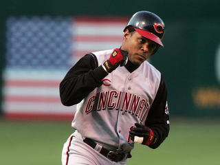 Barry Larkin not a candidate for Reds manager