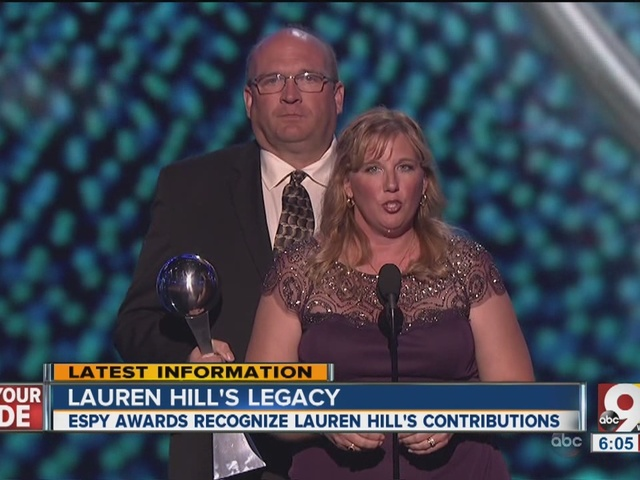 Lauren Hill's parents accept ESPY recognition on her behalf