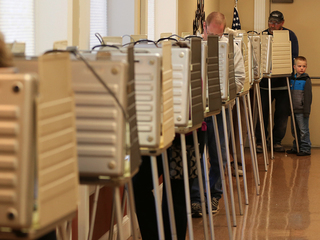Judge sides with Ohio again over voter purge