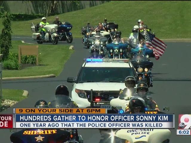 Hundreds gather to honor Officer Sonny Kim