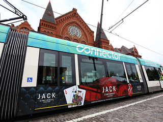 Streetcar will wait for Reds Opening Day Parade
