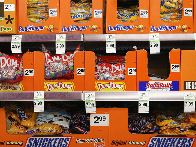 blow pops hot tamales tootsie pops top tri states list of favorite halloween candy wcpo cincinnati oh