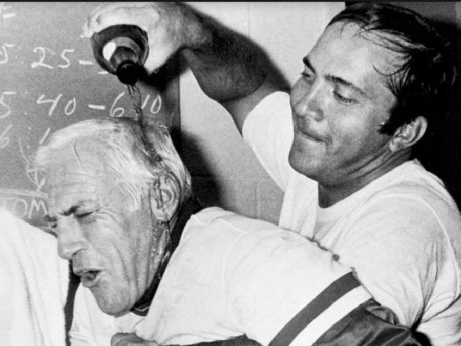 Wcpo_reds_1976_sparky_anderson_johnny_bench_champagne_1477568331670_48752445_ver1.0_900_675