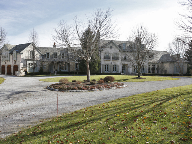 Home Tour Chesley Dlott Indian Hill Mansion Blends Old World Craftsmanship And Modern Conveniences